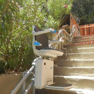 Handicare 2000 Cureved Outdoor Stairlift